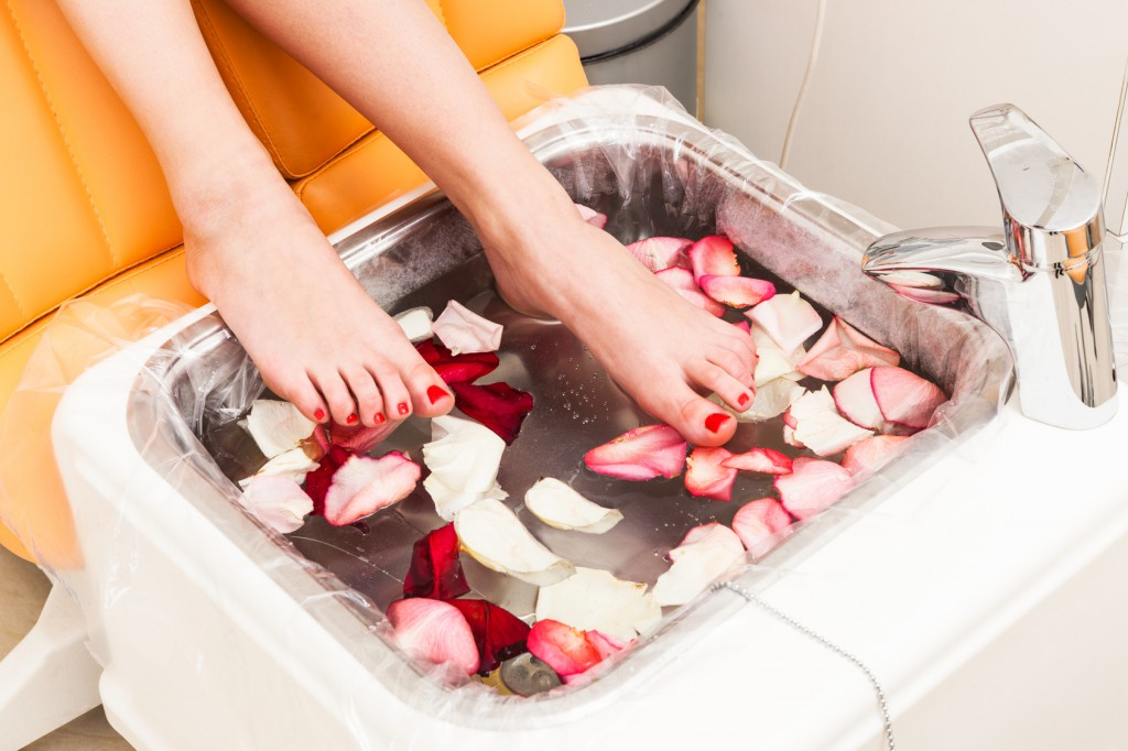 rose petals in pedicure